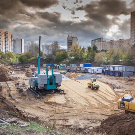 Вдавливание свай в Москве. BASIS