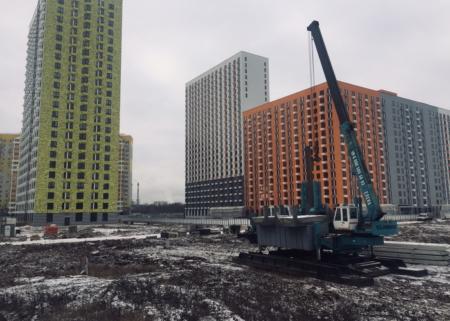 BASIS. Вдавливание свай в Московской области.